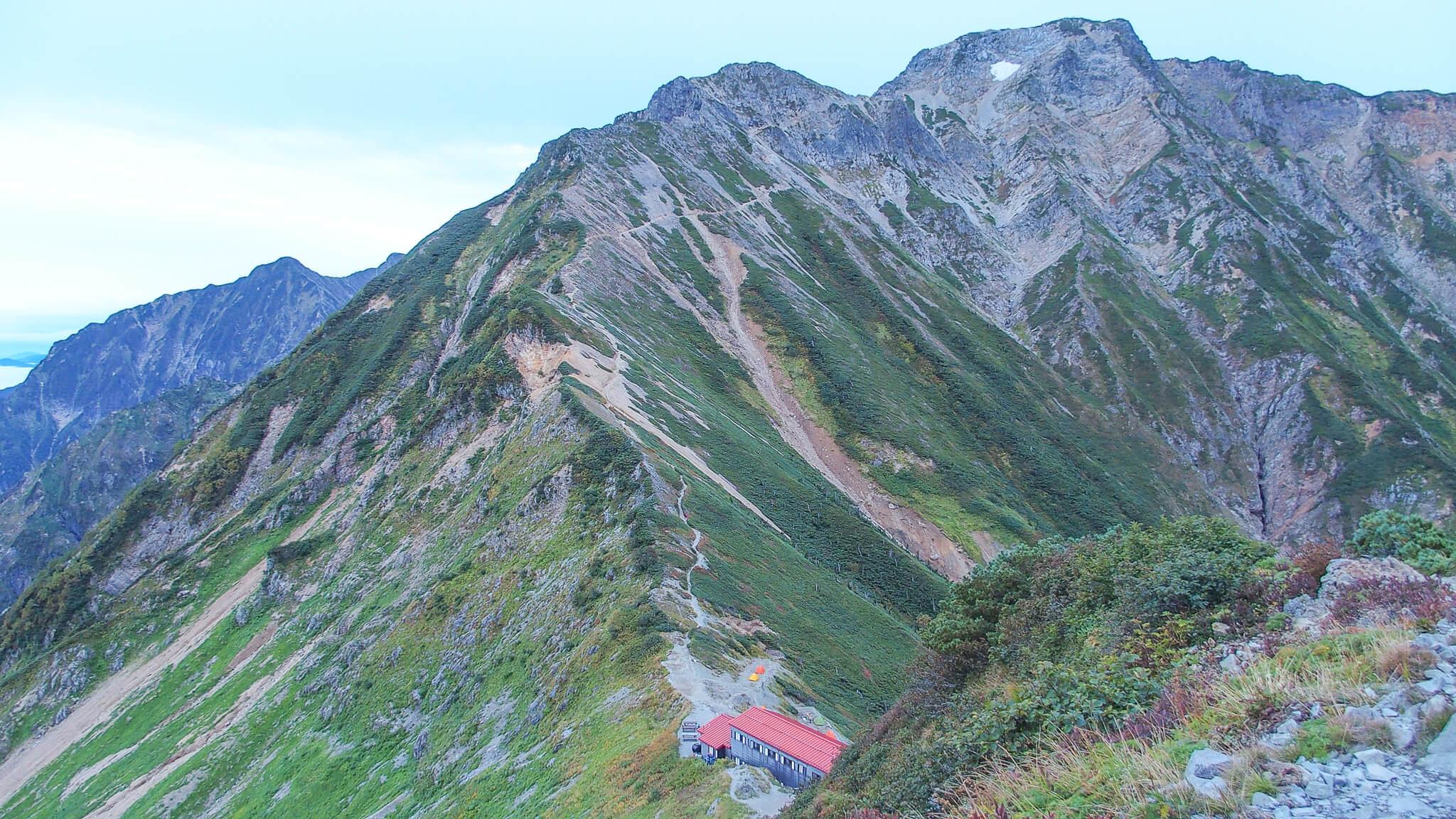 五竜岳・白岳からの五竜岳・五竜山荘