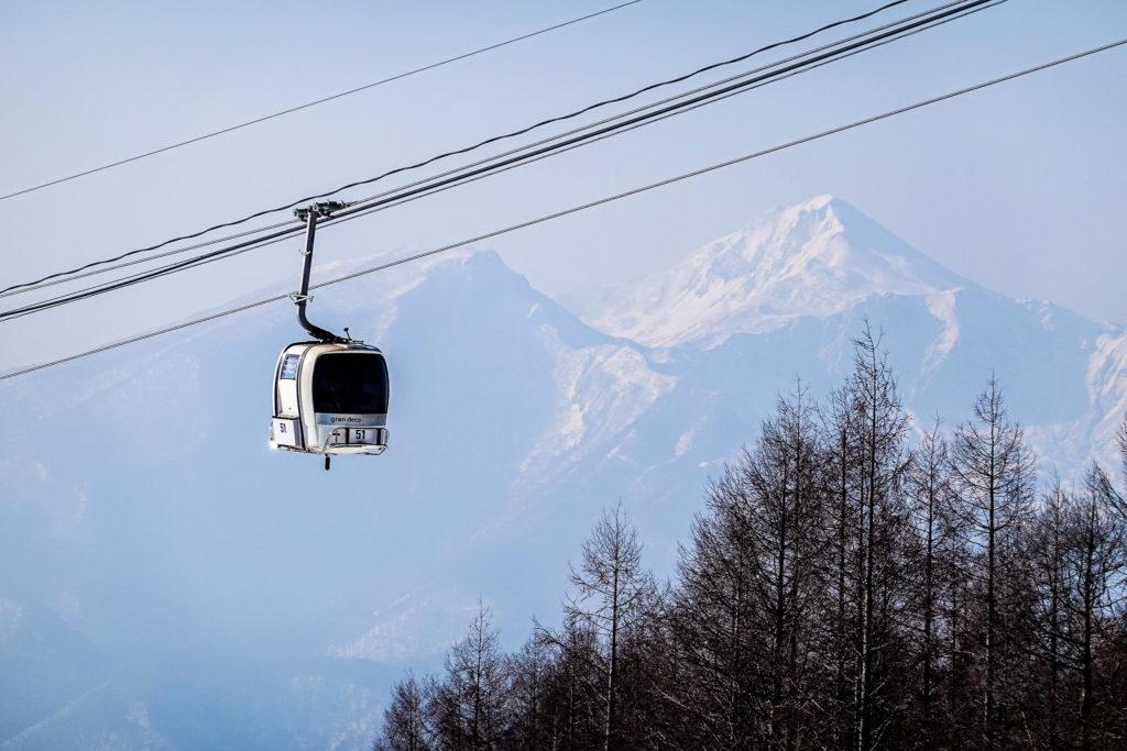 残雪期・西吾妻山・グランデコスノーリゾート・ゴンドラと磐梯山