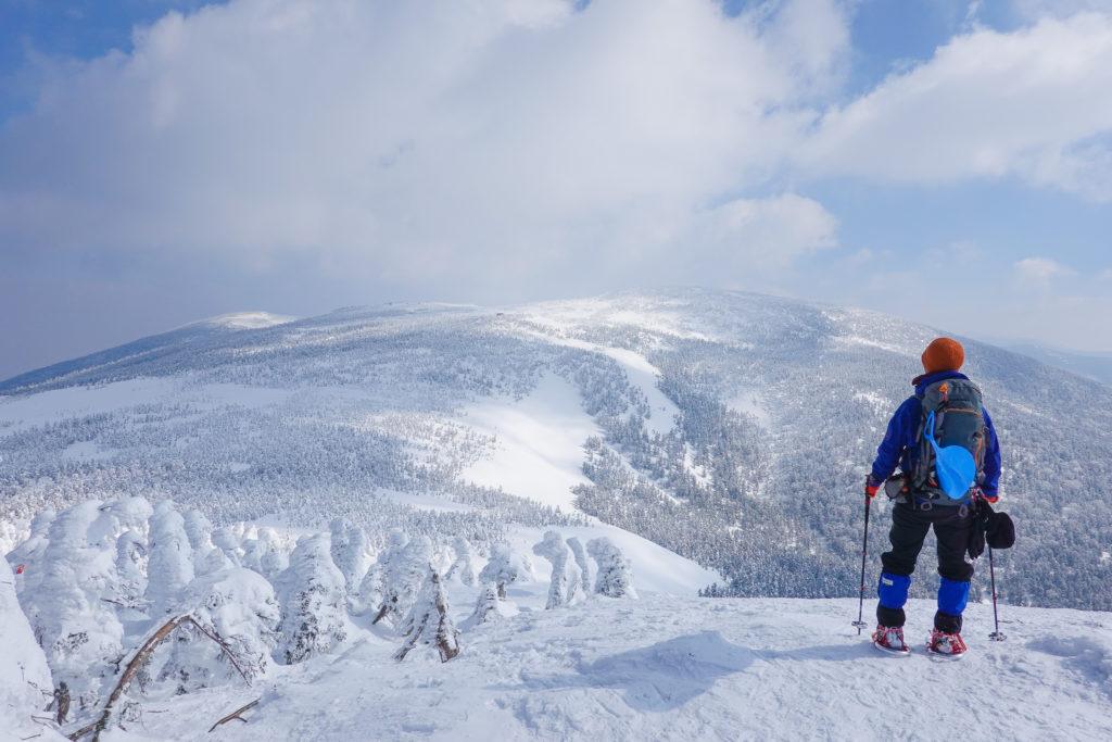 残雪期・西吾妻山・西大巓からの西吾妻山
