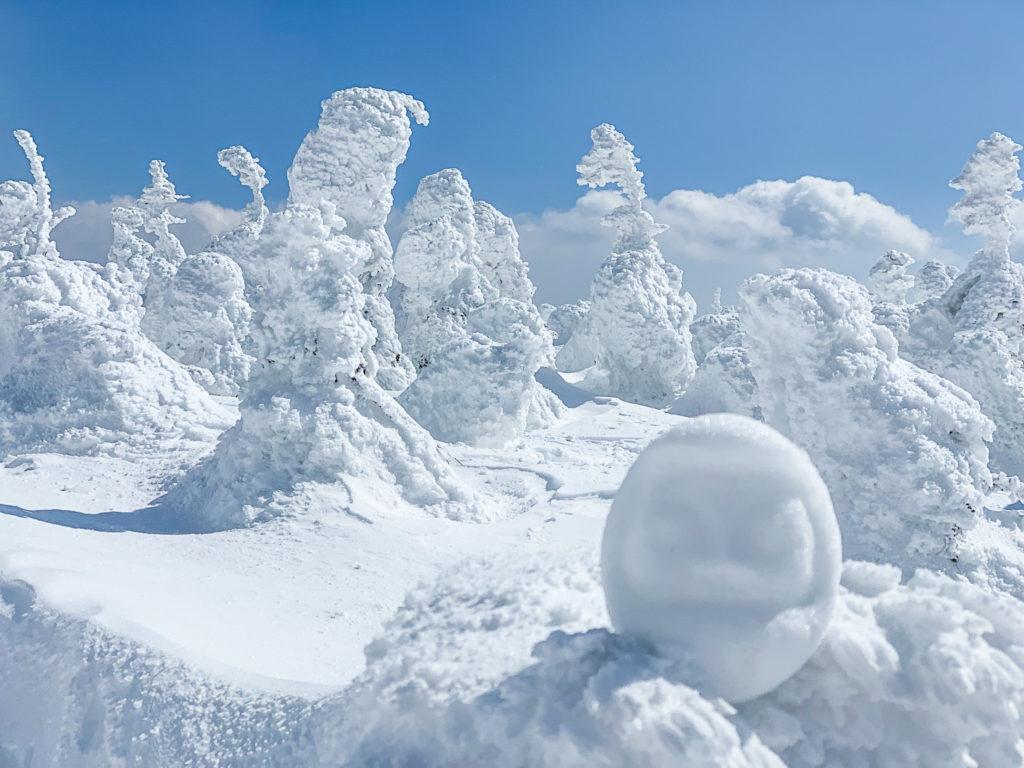 残雪期・西吾妻山・西吾妻山の雪ダルマ