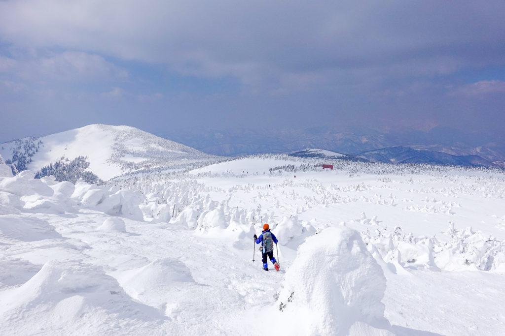 残雪期・西吾妻山・西吾妻山山頂から西吾妻小屋へ