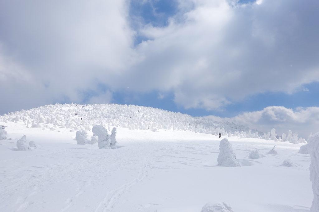 残雪期・西吾妻山・西吾妻小屋付近からの西吾妻山