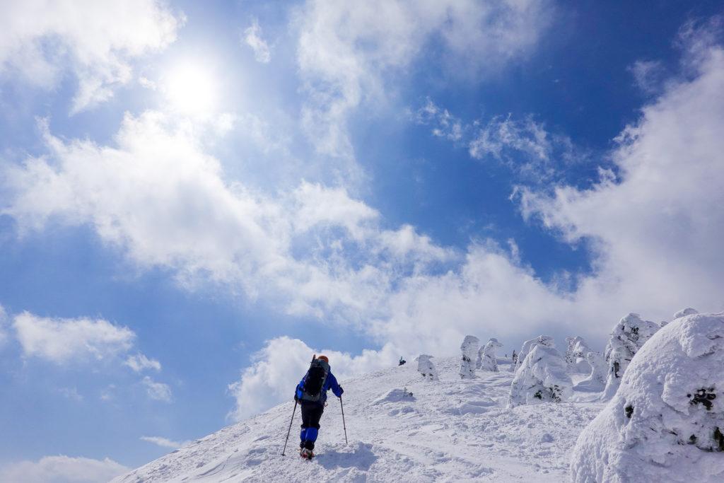 残雪期・西吾妻山・西大巓への最後の登り