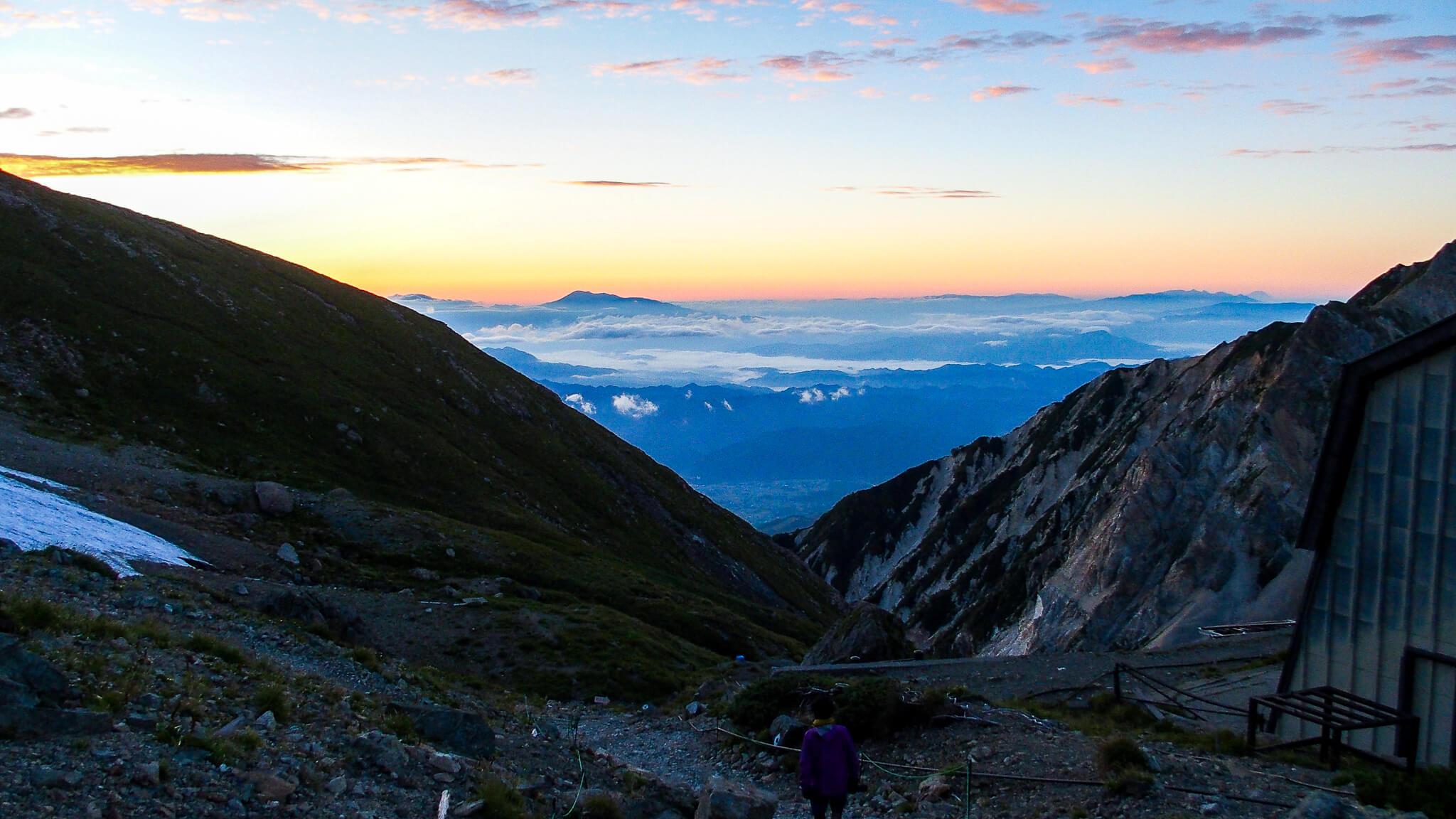 白馬岳・村営頂上宿舎からの眺め