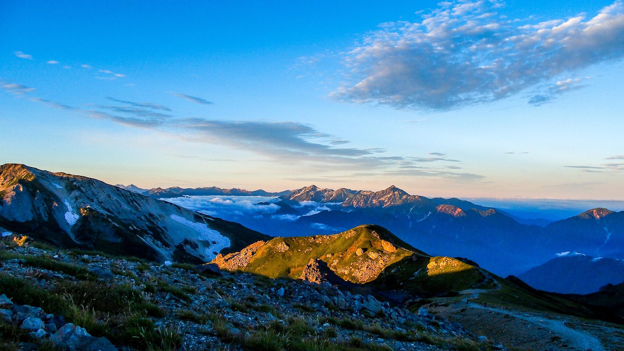 白馬岳・白馬山荘へ向かう道の途中からの剱・立山連峰