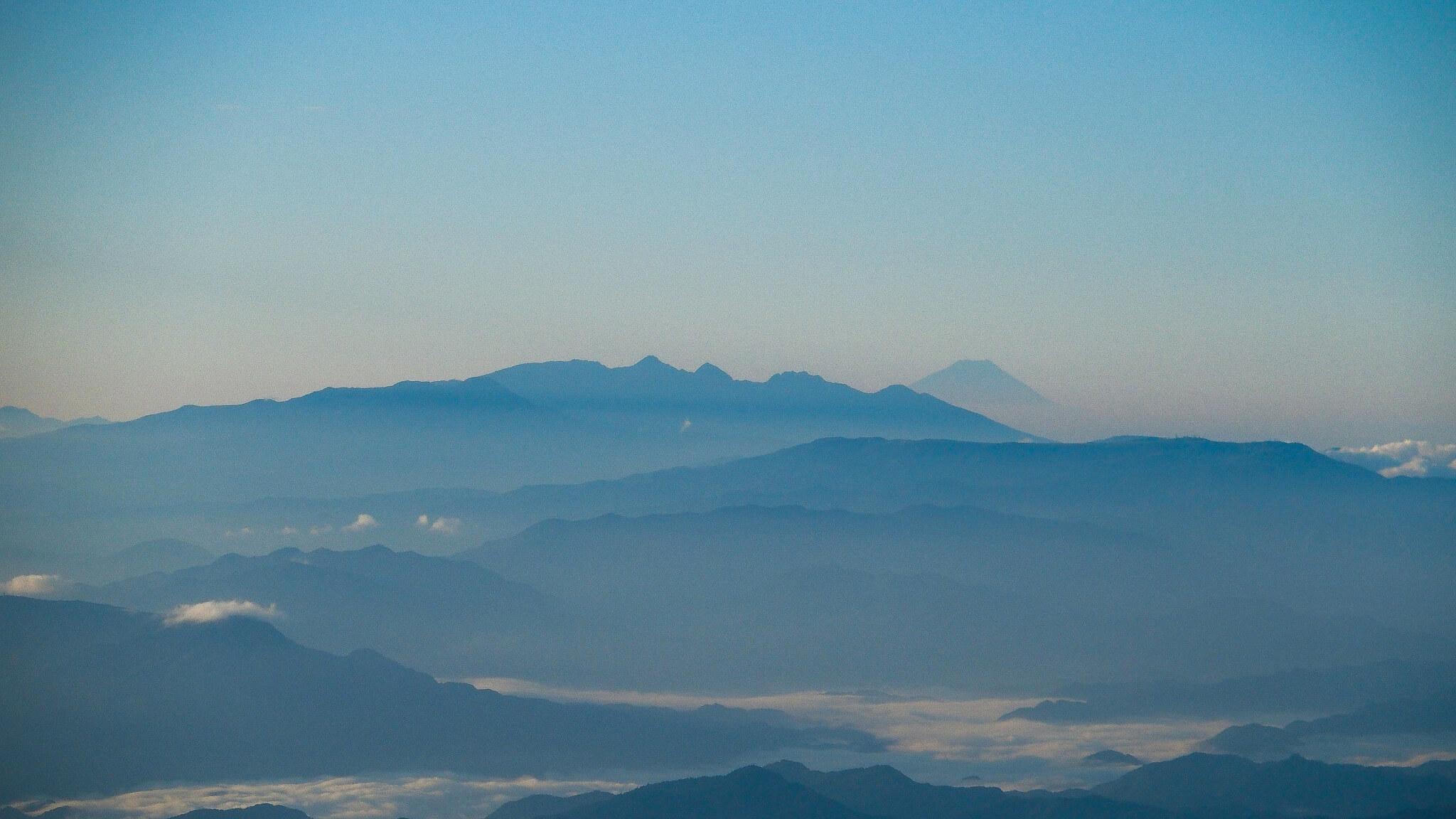 白馬岳・白馬岳山頂からの八ヶ岳と富士山