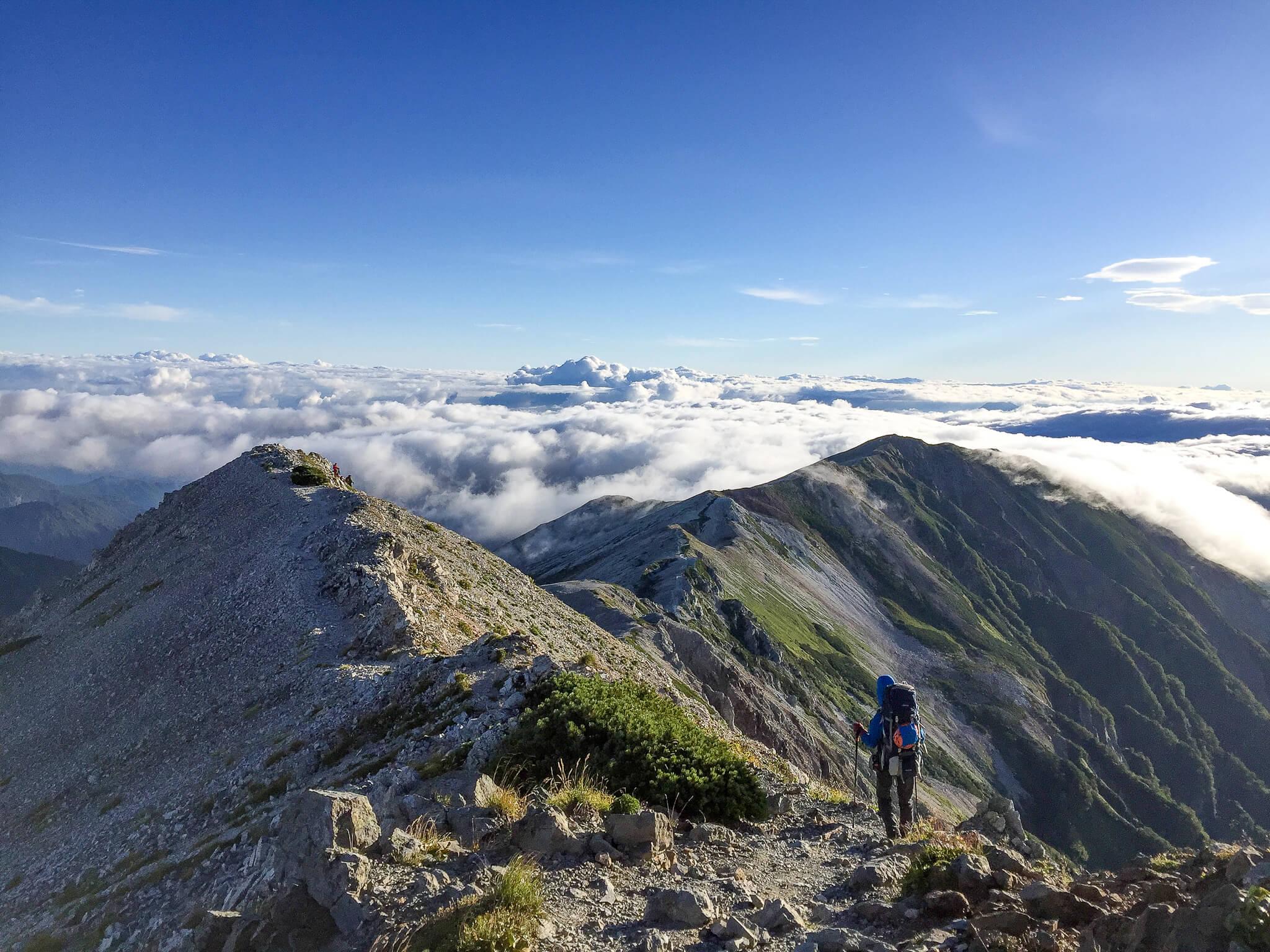 白馬岳・白馬岳から小蓮華山へと続く壮大な稜線