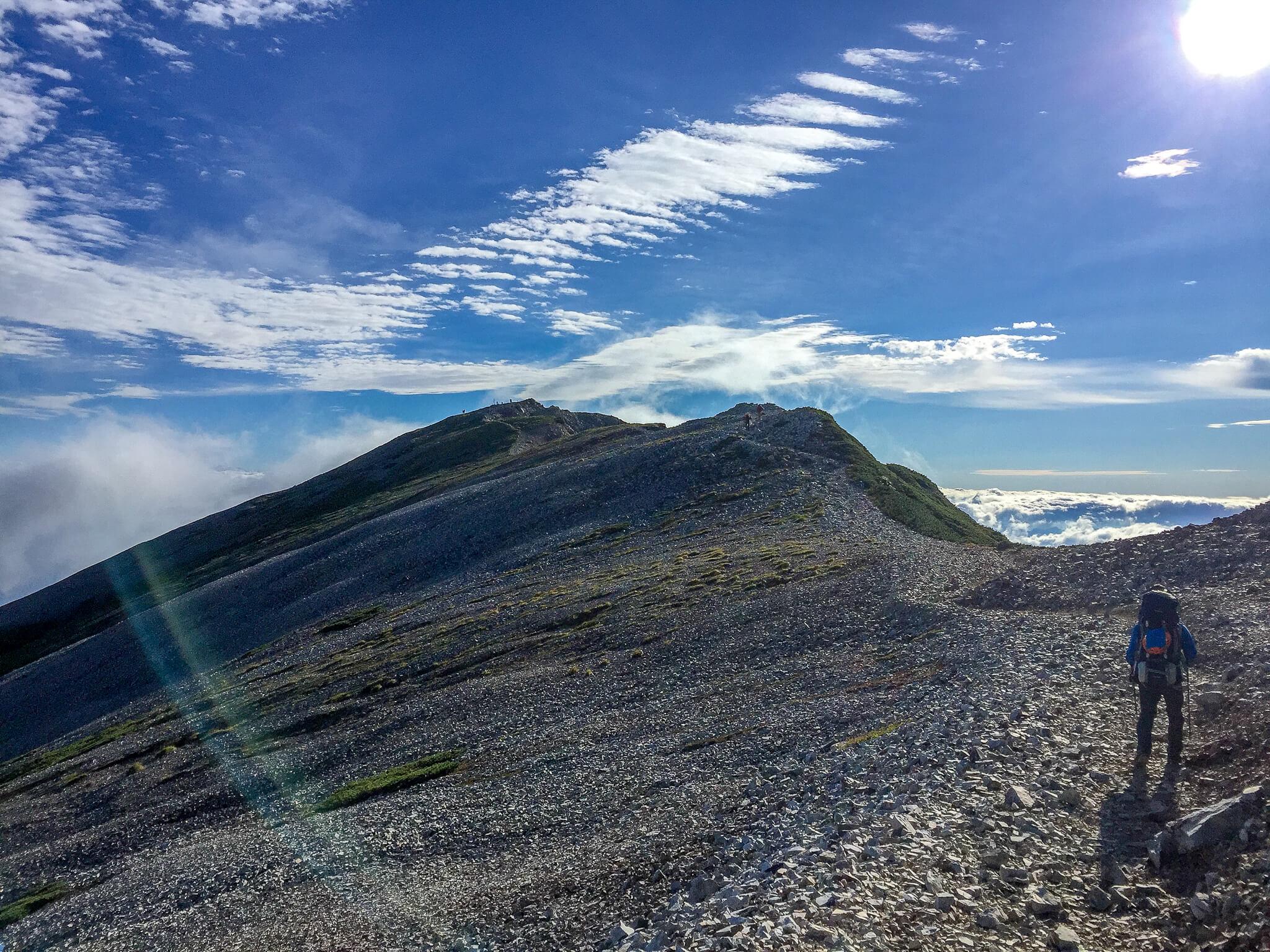 白馬岳・景色に見とれながらも小蓮華山へ