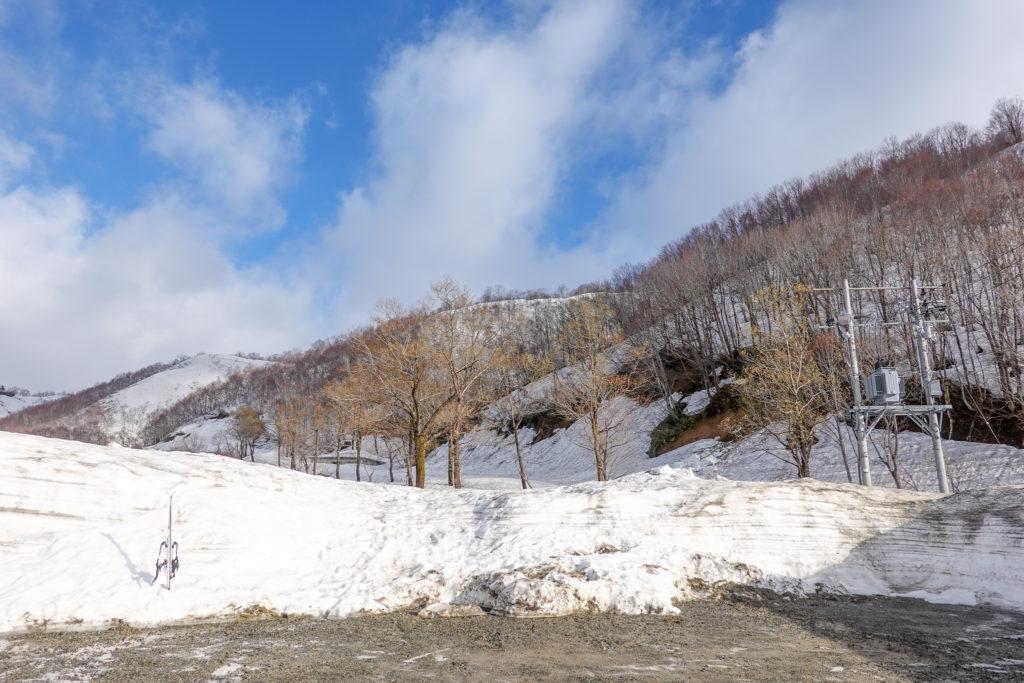 残雪期・日向倉山・登山口