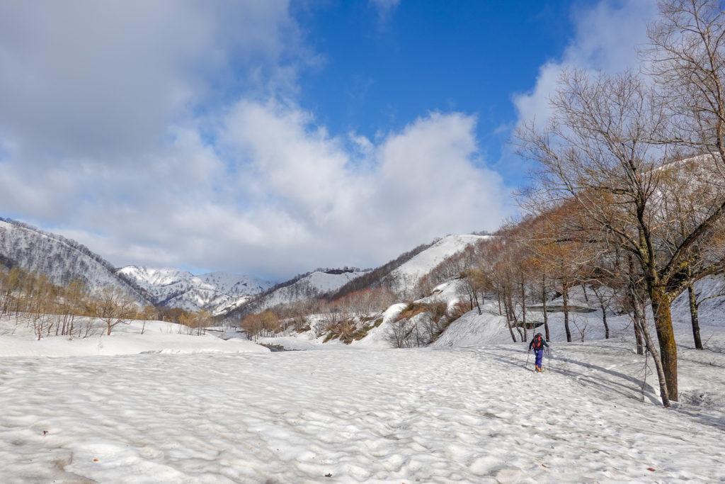 残雪期・日向倉山・登り始めはどこじゃろか〜