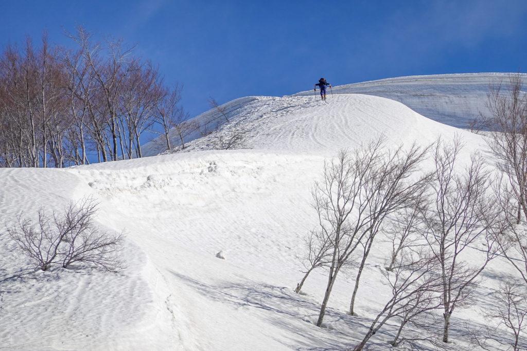 残雪期・日向倉山・急登終わりが見えてきた?