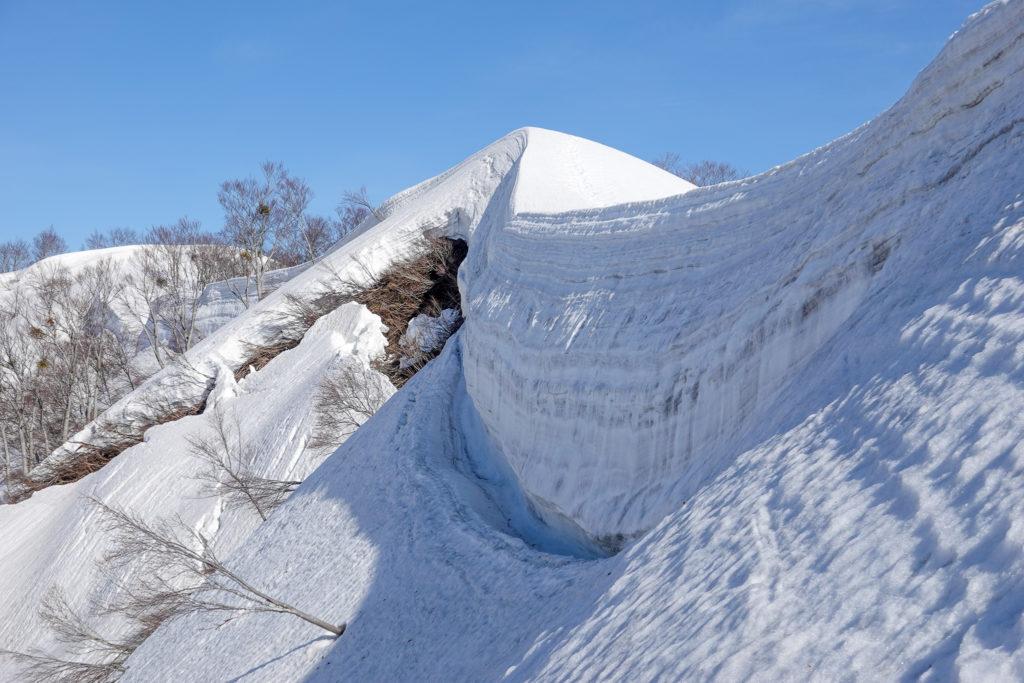 残雪期・日向倉山・雪の壁その2