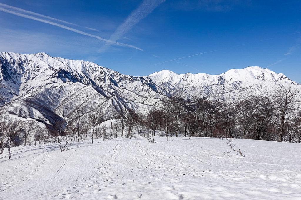 残雪期・日向倉山・裏越後三山(荒沢岳・中ノ岳・越後駒ヶ岳)