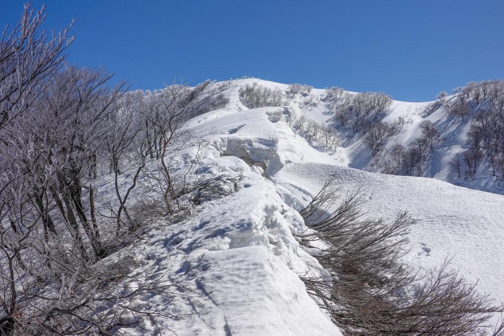 残雪期・日向倉山・クラック!クラック!クラック!