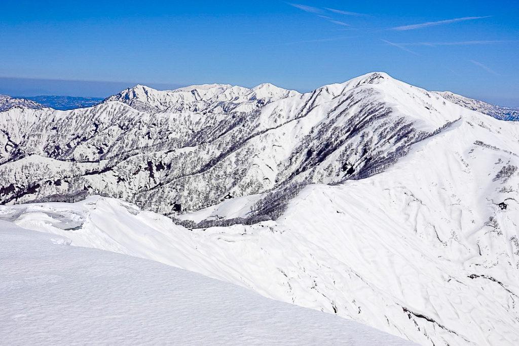 残雪期・日向倉山・未丈ヶ岳へと至る道