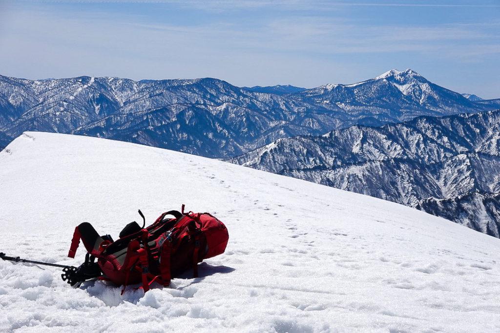 残雪期・日向倉山・日向倉山山頂
