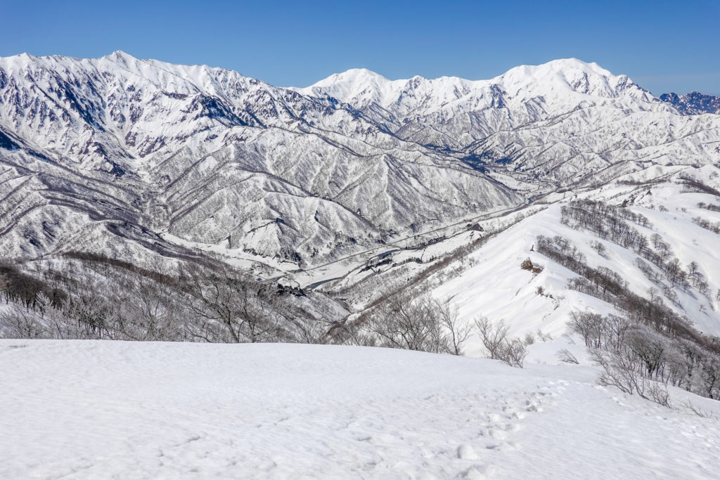 残雪期・日向倉山・裏越後三山、越後三山