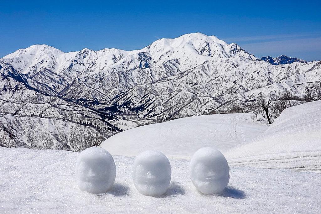残雪期・日向倉山・越後三山と雪だるま