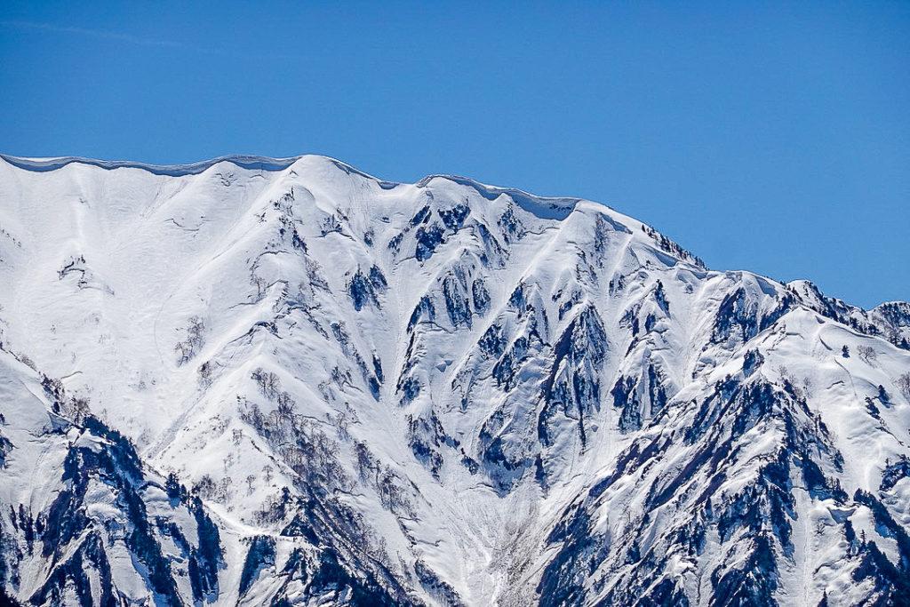 残雪期・日向倉山・荒沢岳から中ノ岳へと続く稜線2