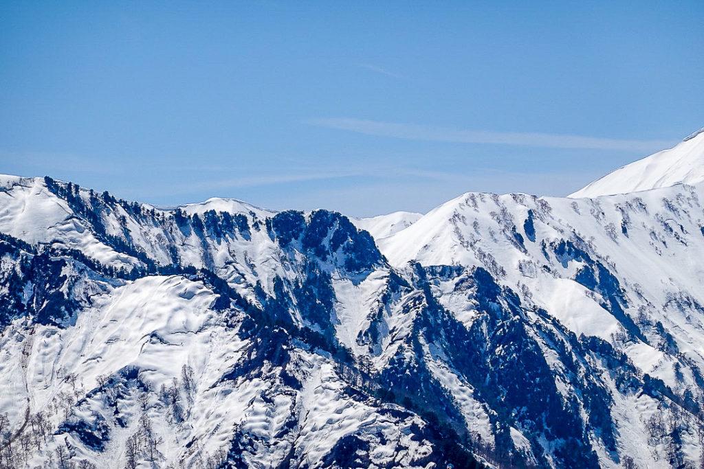 残雪期・日向倉山・荒沢岳から中ノ岳へと続く稜線4