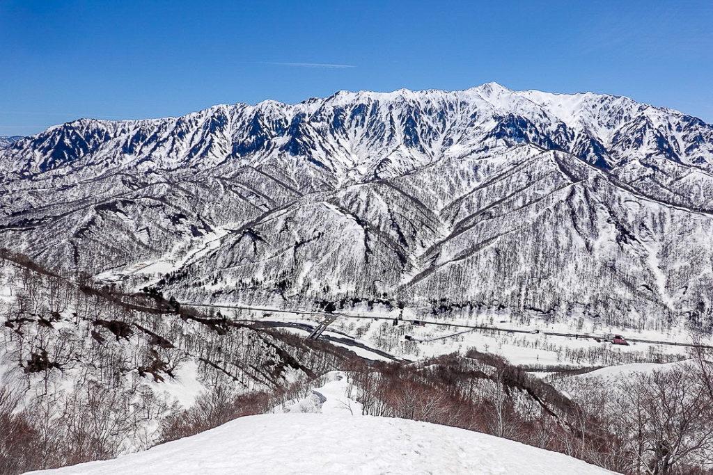 残雪期・日向倉山・下山ポイントへ