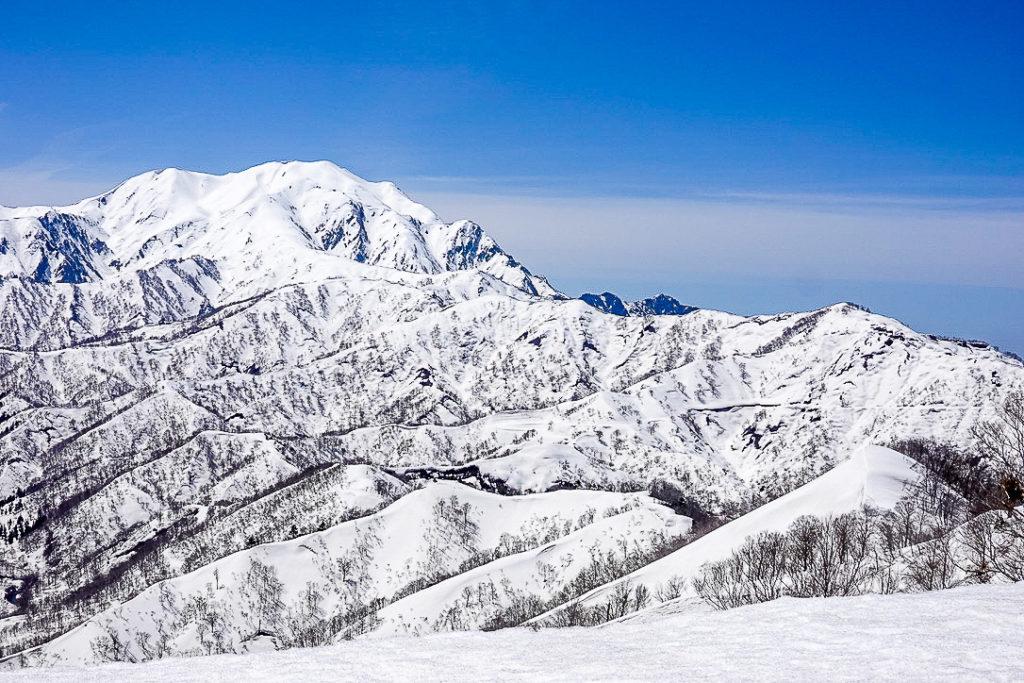 残雪期・日向倉山・越後駒ヶ岳(魚沼駒ヶ岳)と枝折峠