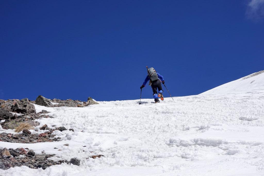 残雪期・日光白根山・再び山頂へ