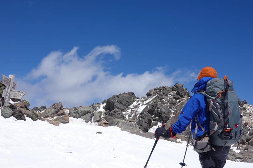 残雪期・日光白根山・山頂見えた!