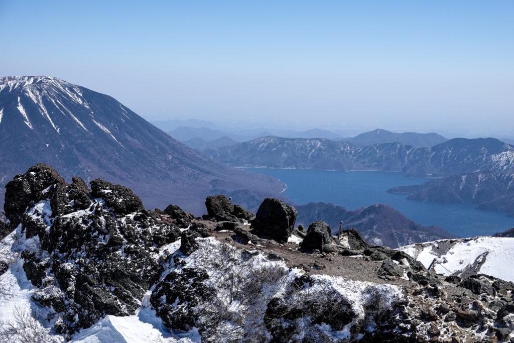残雪期・日光白根山・男体山と中禅寺湖