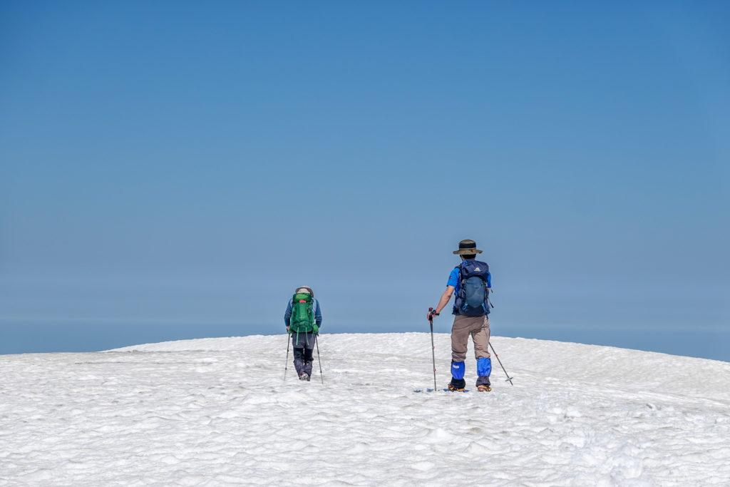 残雪期・会津駒ヶ岳・青と白だけの世界