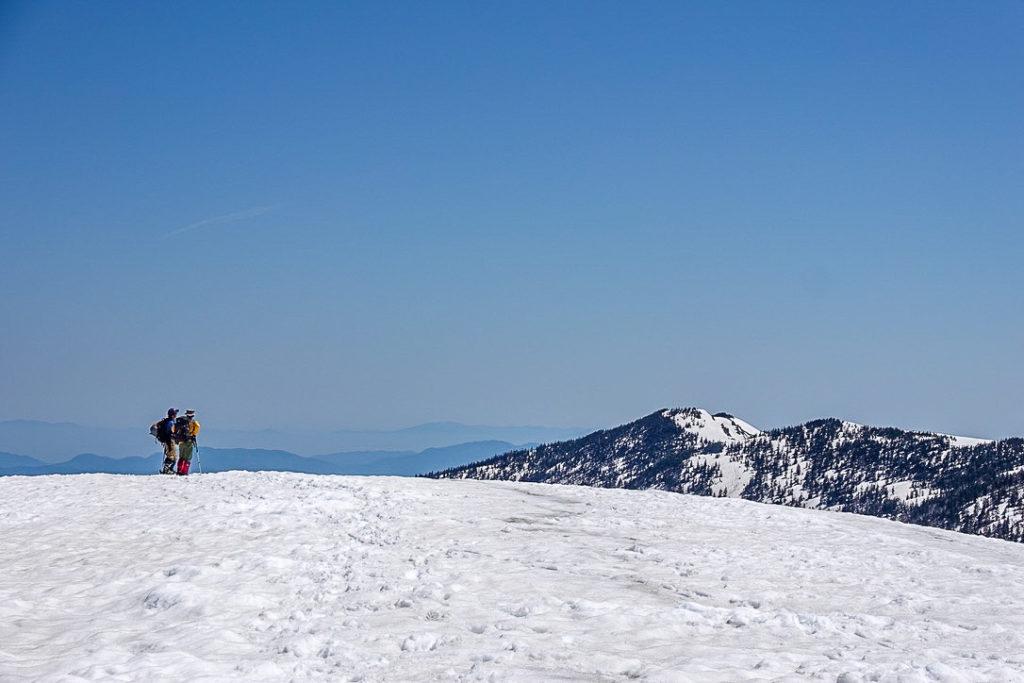 残雪期・会津駒ヶ岳・中門岳山頂