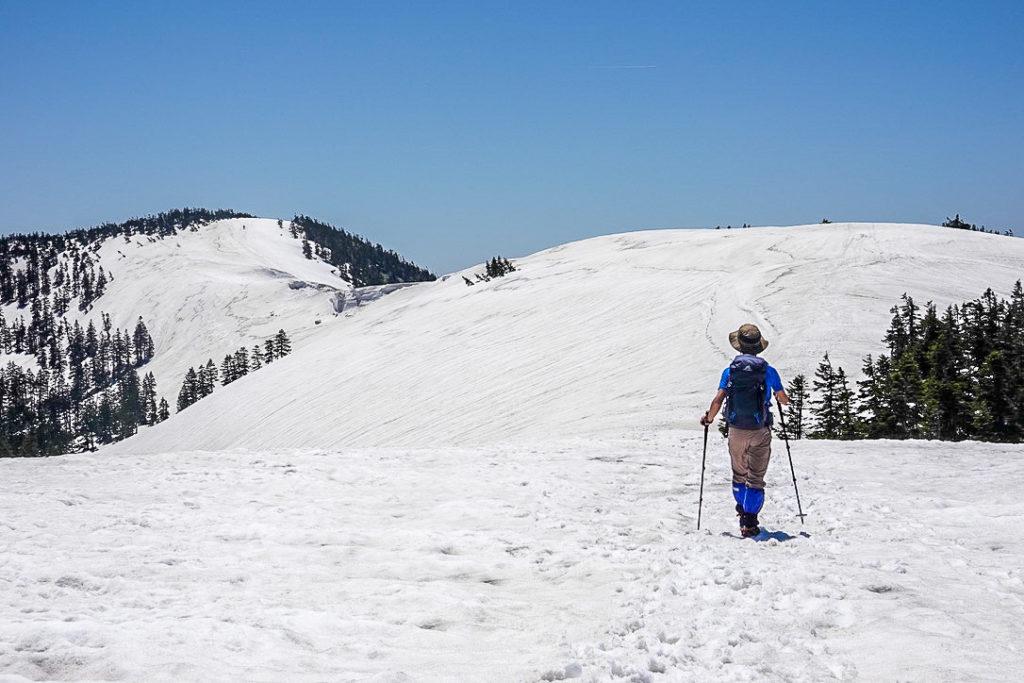 残雪期・会津駒ヶ岳・中門岳から会津駒ヶ岳、意外と帰りは疲れます