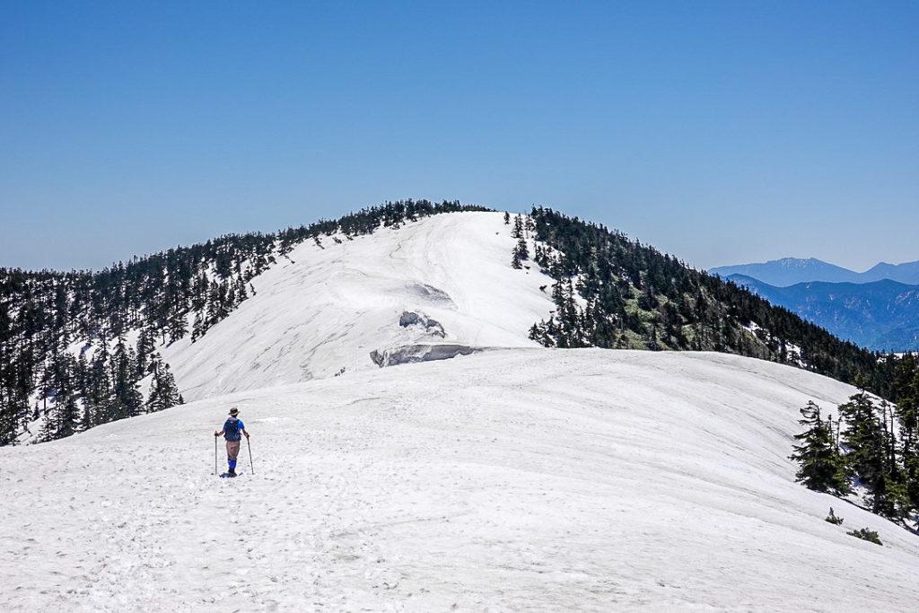 残雪期・会津駒ヶ岳・2094ピーク付近からの会津駒ヶ岳