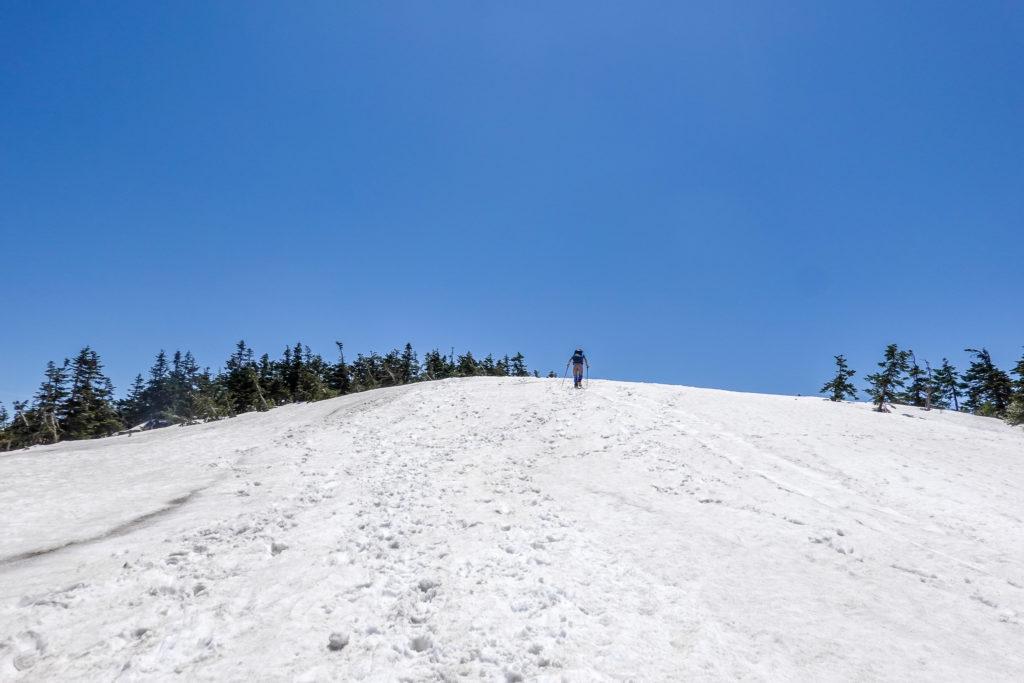 残雪期・会津駒ヶ岳・会津駒ヶ岳への最後の登り、がんばろう!