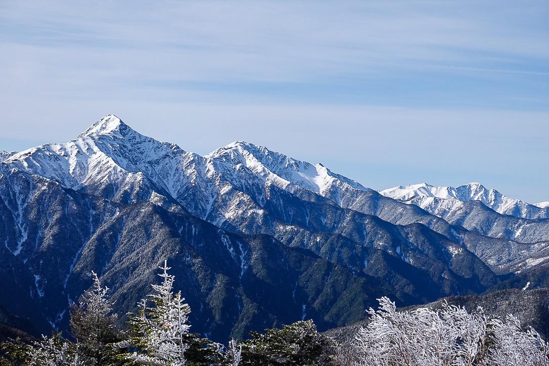 残雪期・甲斐駒ヶ岳・双児山からの白峰三山(北岳・間ノ岳・農鳥岳)