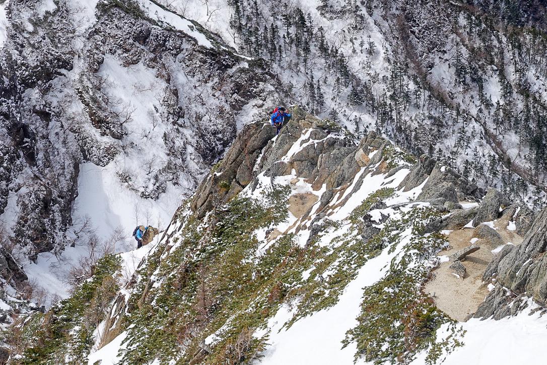 残雪期・甲斐駒ヶ岳・直登ルートを上から激写
