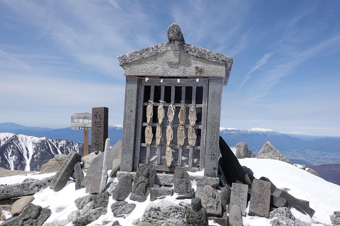 残雪期・甲斐駒ヶ岳・甲斐駒ヶ岳神社奥社