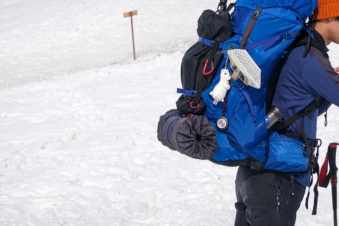 残雪期・奥大日岳・ザックについてるオコジョさん