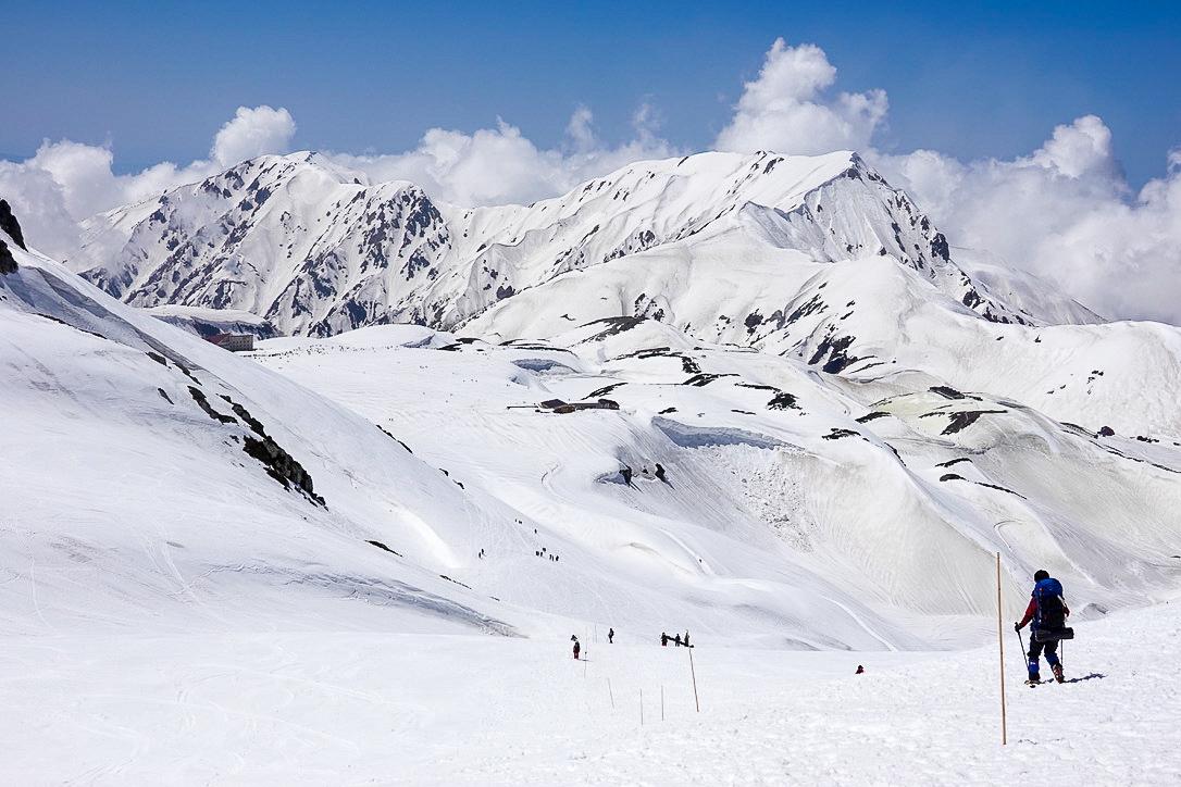 残雪期・立山(雄山)・圧巻の立山景観