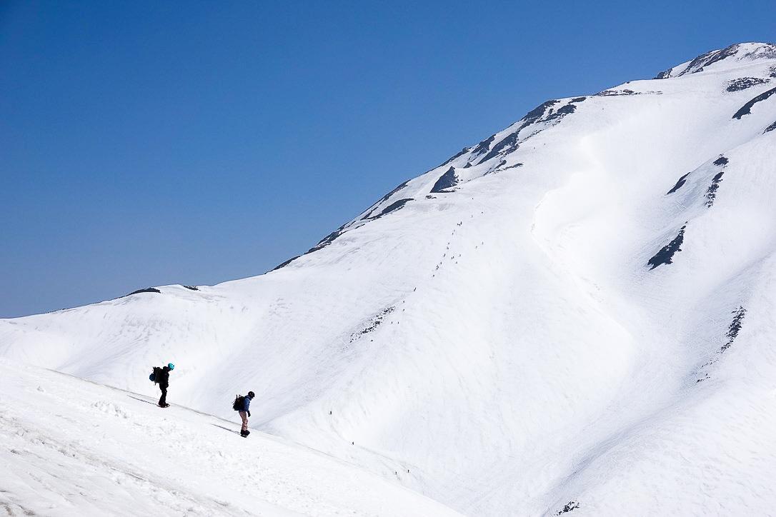 残雪期・奥大日岳・バックカントリープレーヤー