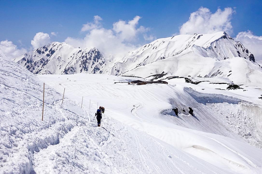 残雪期・立山(雄山)・室堂山荘と奥大日岳