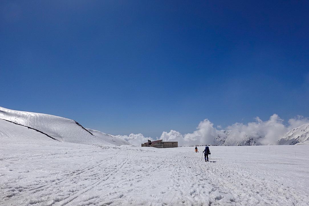 残雪期・立山(雄山)・室堂駅へ