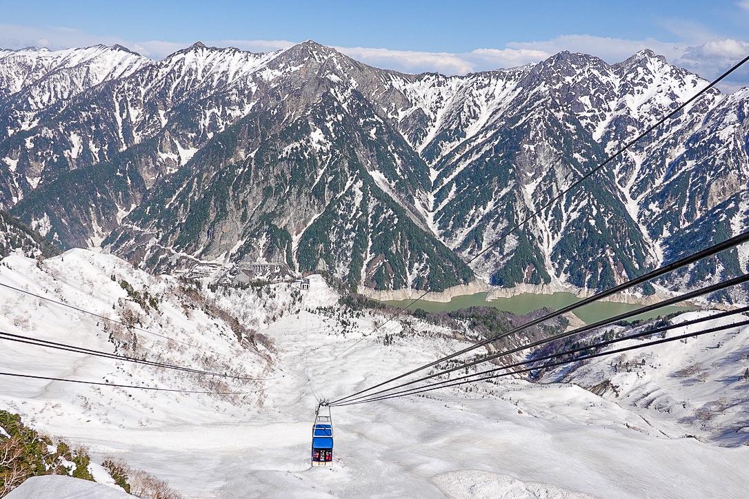 残雪期・立山(雄山)・ロープウェイと黒部湖