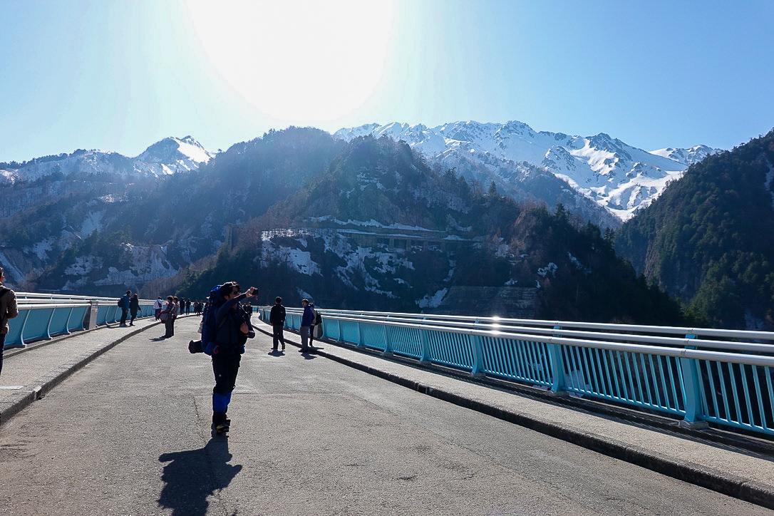 残雪期・立山(雄山)・黒部ダムからの立山連峰