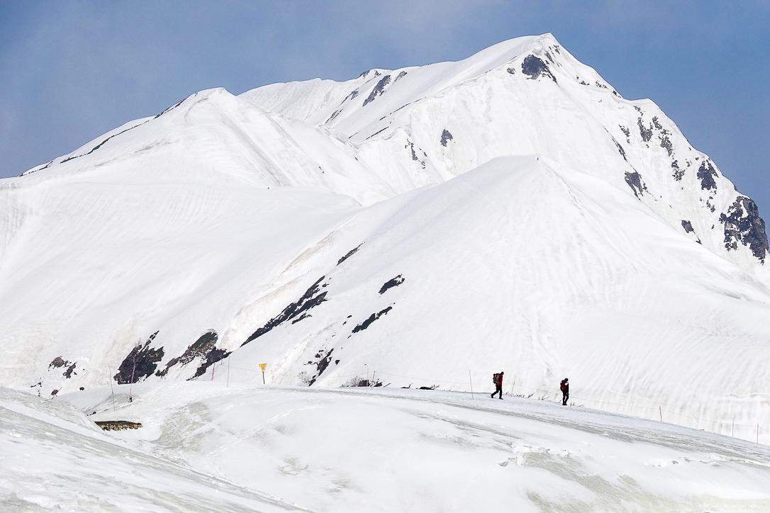 残雪期・奥大日岳・今日向かう奥大日岳
