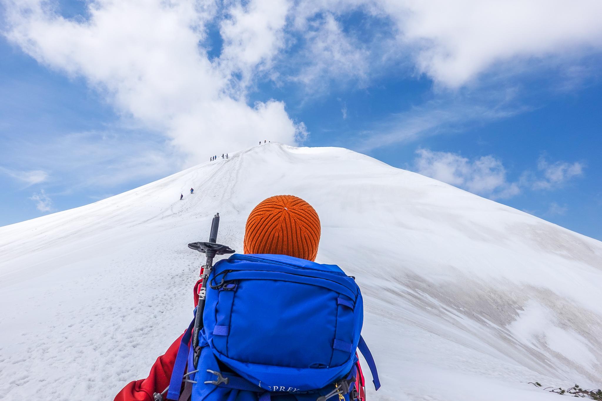 残雪期・奥大日岳・2440mピークへ