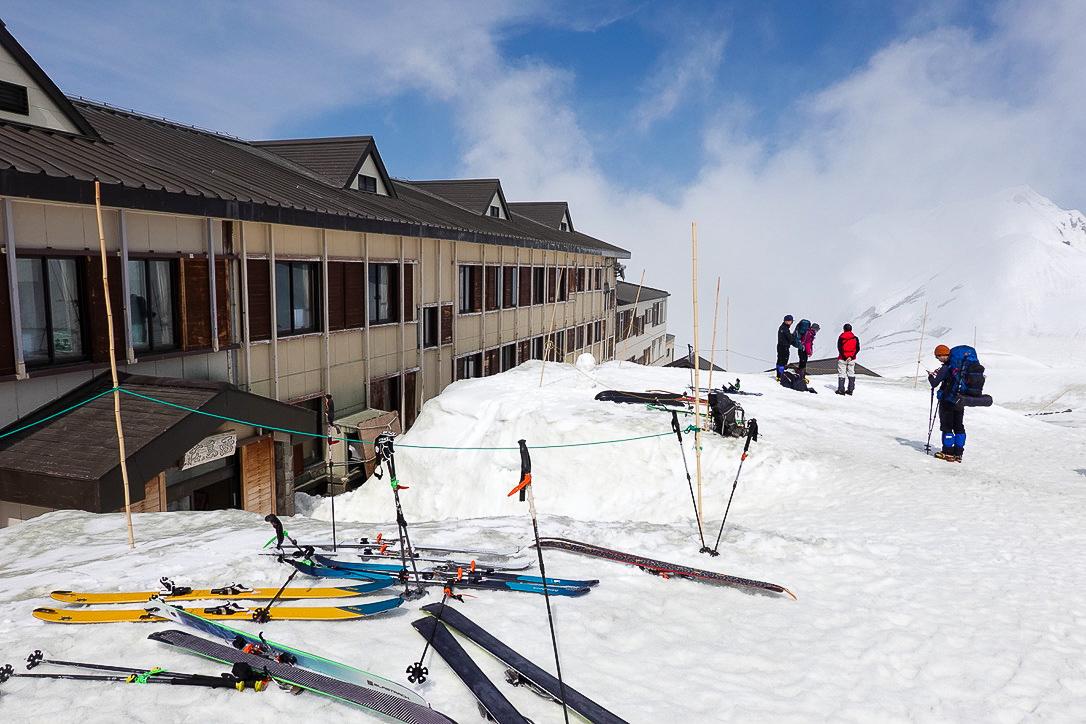 残雪期・奥大日岳・雷鳥荘