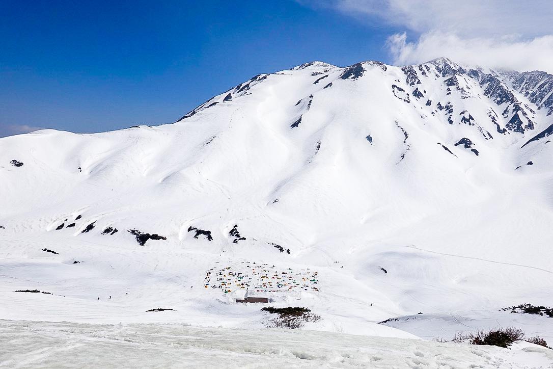 残雪期・奥大日岳・雷鳥沢キャンプ場が見えた!