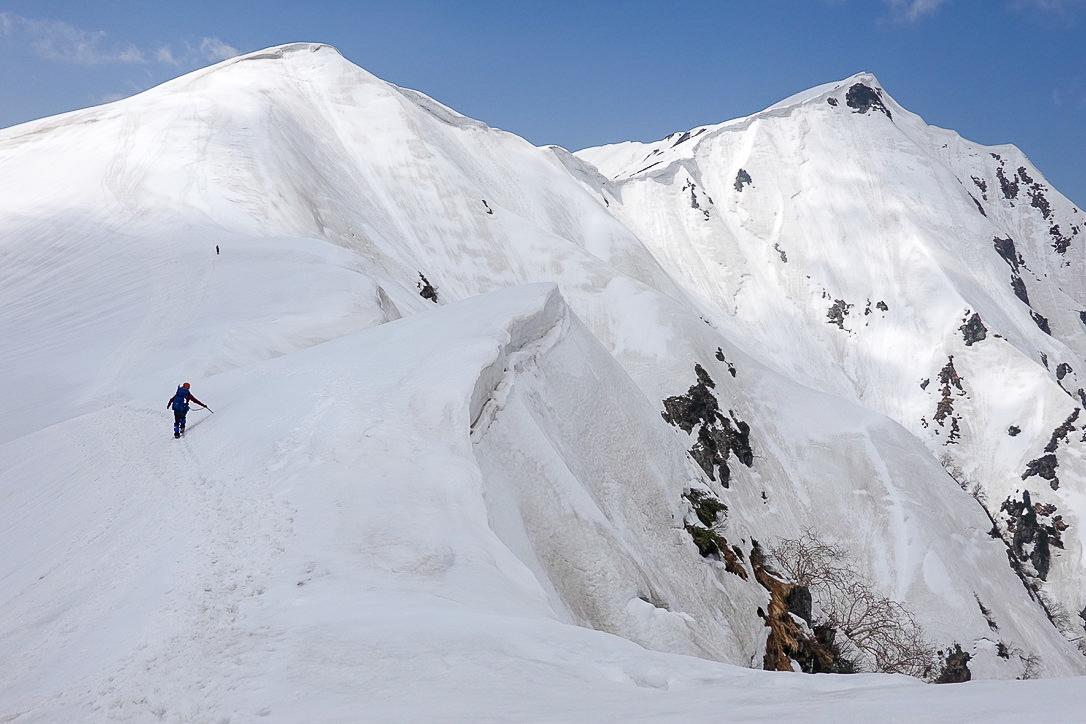 残雪期・奥大日岳・雪庇に注意な奥大日岳