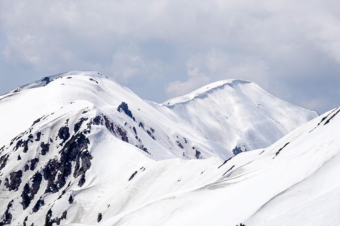 残雪期・奥大日岳・アップダウンの奥大日岳
